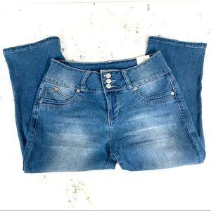 YMI Royalty for Me Wanna Betta Butt? Crop Jeans -8